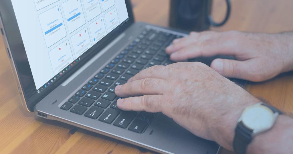 Laptop termine und Patienten
